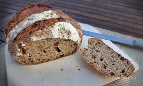Barnasörös, pirított hagymás vekni thangzhonggal recept