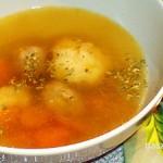 Húsleves májgombóccal és grízgombóccal recept