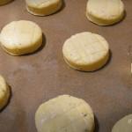 Juhtúrós-kéksajtos pogácsa recept