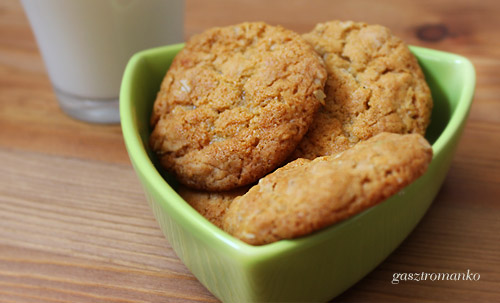 Pofonegyszerű vajas keksz recept