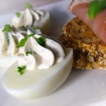 Zöldfűszeres töltött tojás recept