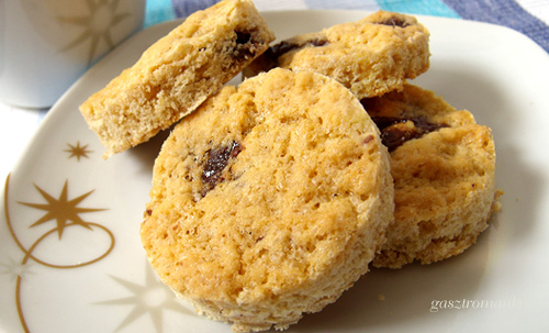 Csokidarabos-rumos cookie recept