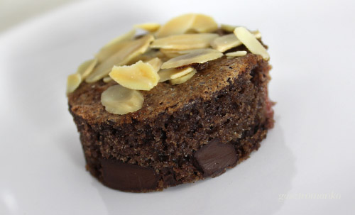 Csokis meggyes kevert süti recept