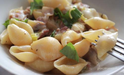 Gombás-hagymás-baconos Conchiglie, az abbahagyhatatlan recept