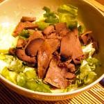 Pikáns kacsahúsos saláta recept