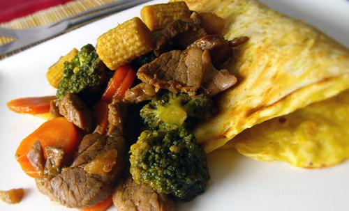 Szójaszószos, zöldséges sertésszűz burgonyatócsnival recept