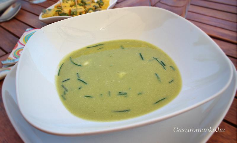 Zöldborsó krémleves spárgás fritattával recept